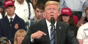 Dude Trolls Trump's Rally By Making Hilarious Animated Faces!