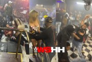 [:en]Royal Rumble Goes Down At Gold Lounge In New York…. Stools & All Types Of Club Parts Being Used As Weapons![:]