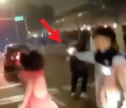 [:en]Things Got Ugly Real Quick: Dude Pulled Out The Hammer & Let Off Some Rounds At A Random Car During An Illegal Street Race In Houston![:]