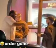 """""""I'll Slap The Shxt Out You"""" Taco Bell Messed Up His Order & Made Him Wait Till They Took A Smoke Break To Fix It!"""