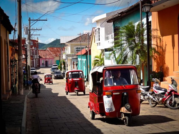 Travel Photo: Guatemala - Tuk-tuks in Flores