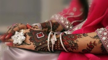 bridal-mehendi-designs-04