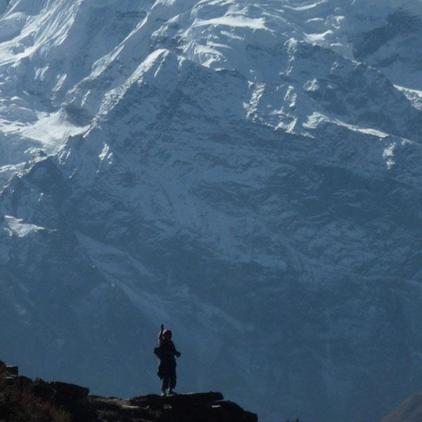 P1090056 dona i muntanyes QUAD