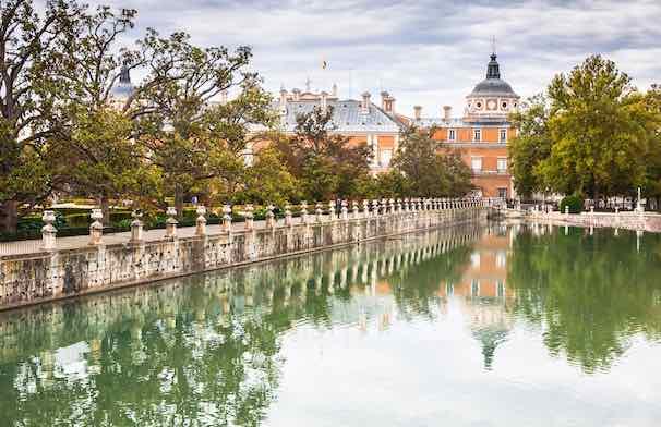 Pueblos con encanto cerca de madrid visitar madrid for Jardines que visitar en madrid
