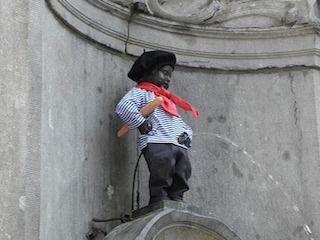 Estatua Manneken Pis Bruselas