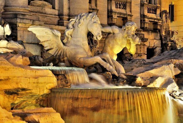 Disfrutar la Fontana de Trevi