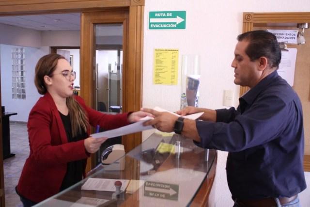 Concluye recaudación de firmas para llevar 'Juárez Iluminado' a plebiscito