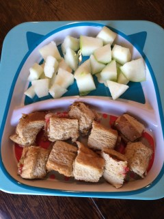 Monday- Sunbutter and jelly sandwich, granny smith apple chunks