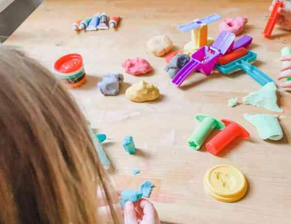 Knete selber machen, die, Kinder beschäftigen, planningmathilda