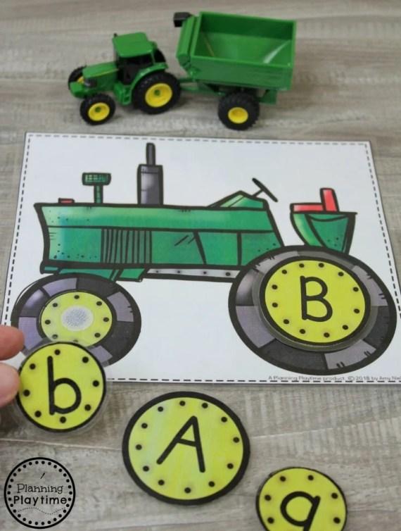 Fun Preschool Farm Theme Activities - Letter Matching #preschool #farmtheme #springpreschool #preschoolgames #preschoolfun #letterrecognition