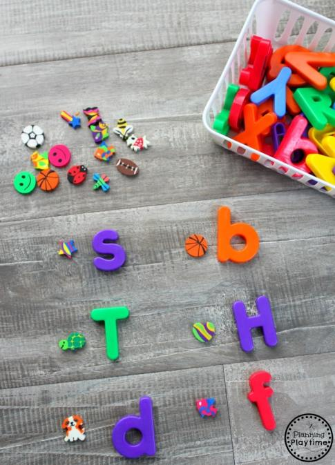 Use Mini Erasers to Teach Beginning Sounds for Preschool or Kindergarten. #preschool #minierasers #kindergarten #funlearning #planningplaytime #beginningsounsd