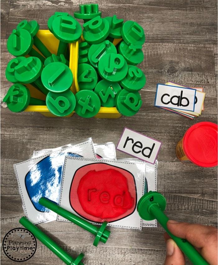 CVC Words Stamp and Read Game #cvcwords #planningplaytime #kindergarten