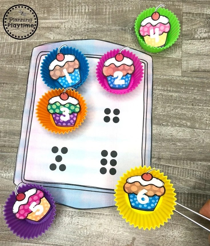Preschool Counting Game - Cupcake Counting for Preschool Baking theme