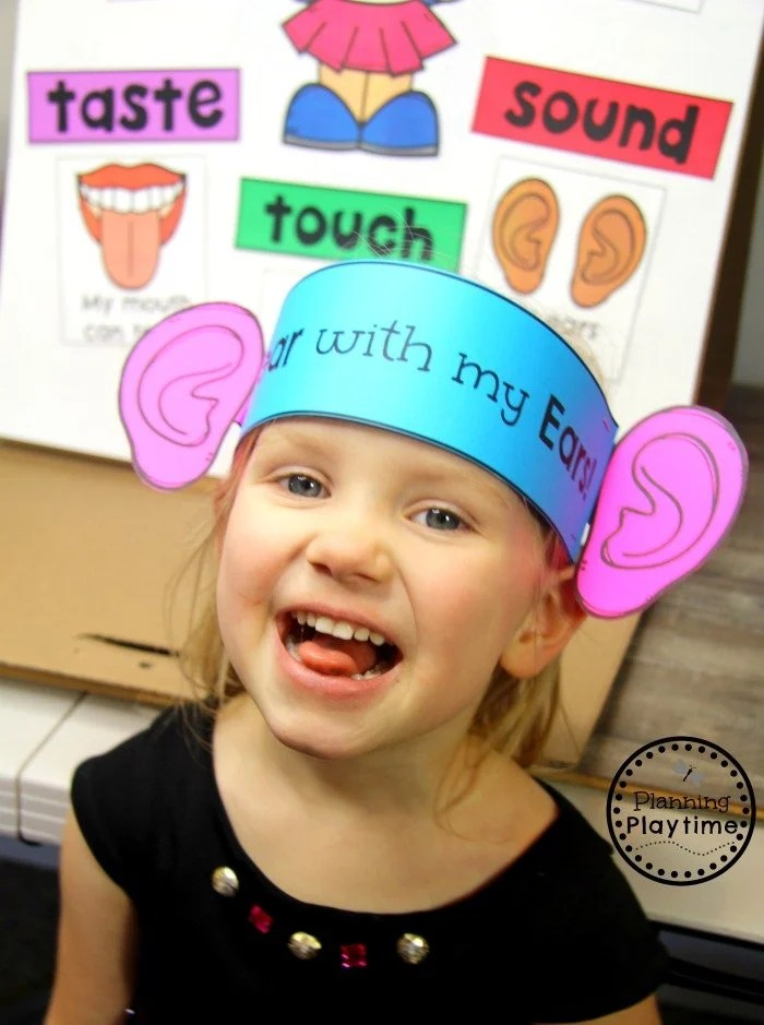 5 Senses Craft - Sense of Sound Hat for Preschool #5senses #preschoolthemes #preschoolcenters #planningplaytime #preschoolcraft