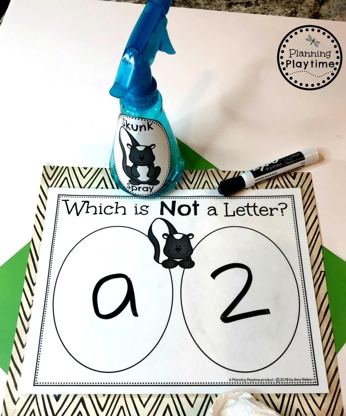 Skunk Spray Alphabet Game - Zoo Theme #zootheme #preschool #preschoolworksheets #planningplaytime