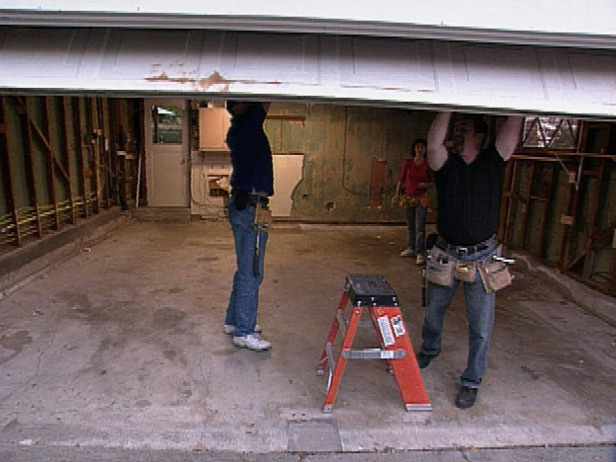 how to remove garage door