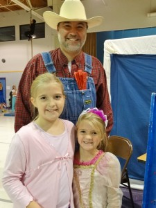 Faith Lutheran School Headmaster Rev. Stephen W. Kieser of Wylie with daughters Miriam Kieser and Bethany Kieser
