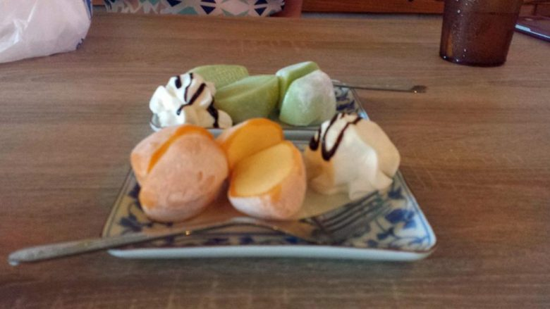 mochi-ice-cream-at-yatai-ramen