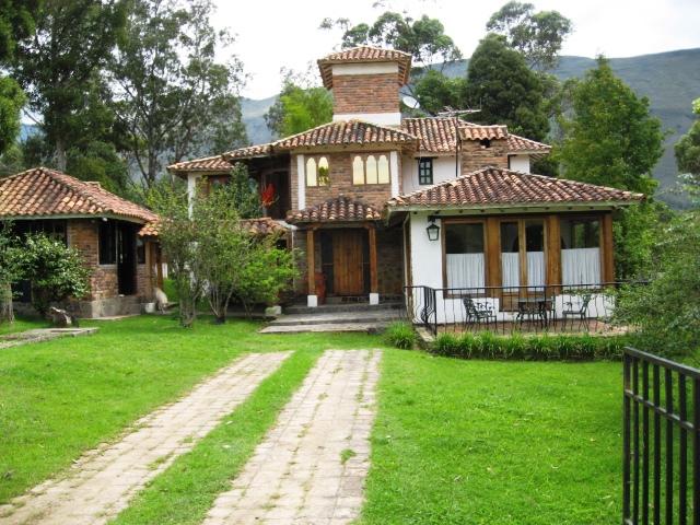 13 fachadas de casas campestres planos y fachadas todo - Fachadas casas de pueblo ...