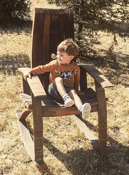 <img source = 'pic.gif' alt = 'barrel staves chair '/>
