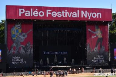 A 23h, Muse foulera la grande scène après le concert de The Lumineers. Certains fans sont déjà en poste contre la barrière à 16h10. © David Trotta