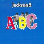 """Le 8 mai, les Jackson 5 sortent leur deuxième album, """"ABC"""", qui confirme le talent de tous les membres du jeune groupe. Mais surtout du plus petit, au chant, Michael Jackson."""
