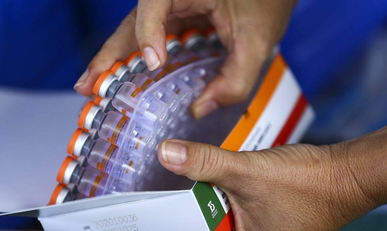 Butantan libera mais 1 milhão de doses para distribuição aos estados