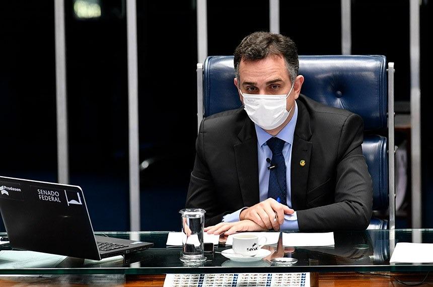 Vacina e auxílio emergencial são prioridades do Senado, diz Pacheco
