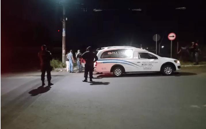 Vendedor de carro é encontrado morto com tiro na cabeça dentro de Audi