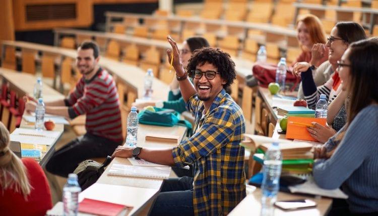 Brasil tem 44 cursos de graduação e pós entre os 100 melhores do mundo