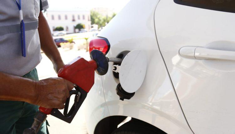 De novo: Petrobras anuncia quinto reajuste no preço da gasolina em 2021