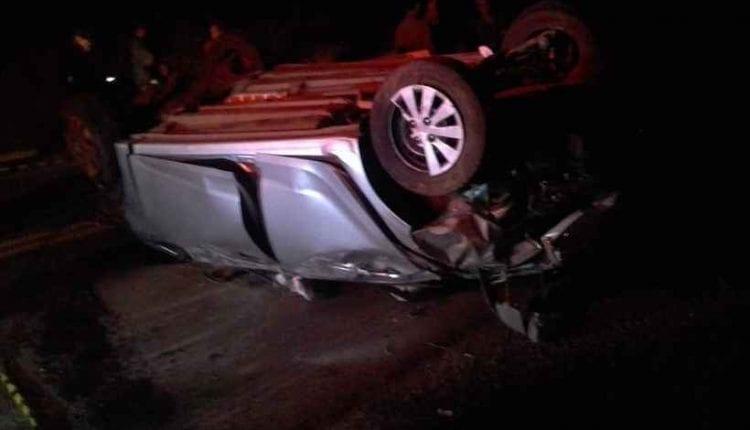 Motorista morre após ser arremessada para fora de carro em capotamento