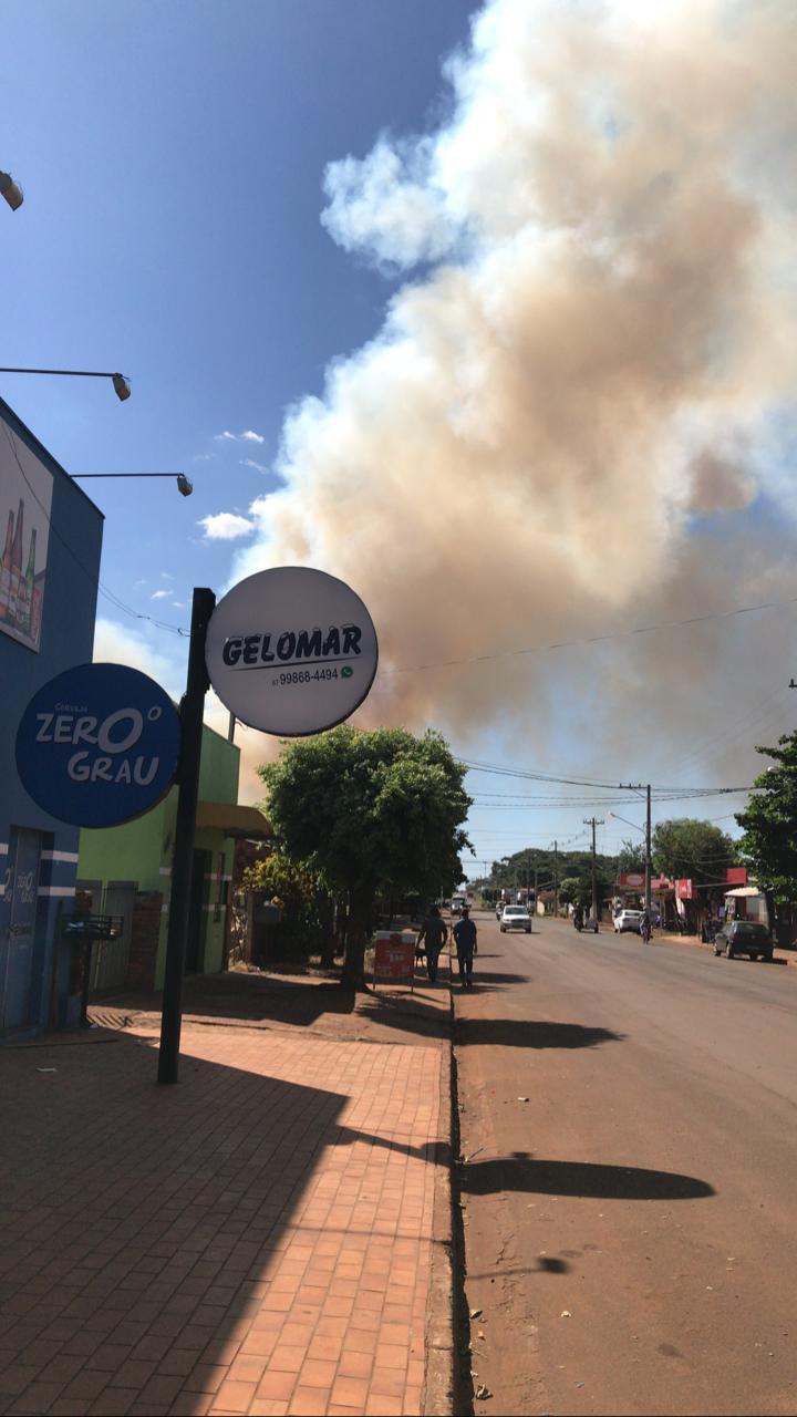 Incêndio em palha de soja já colhida movimenta Bombeiros em Maracaju