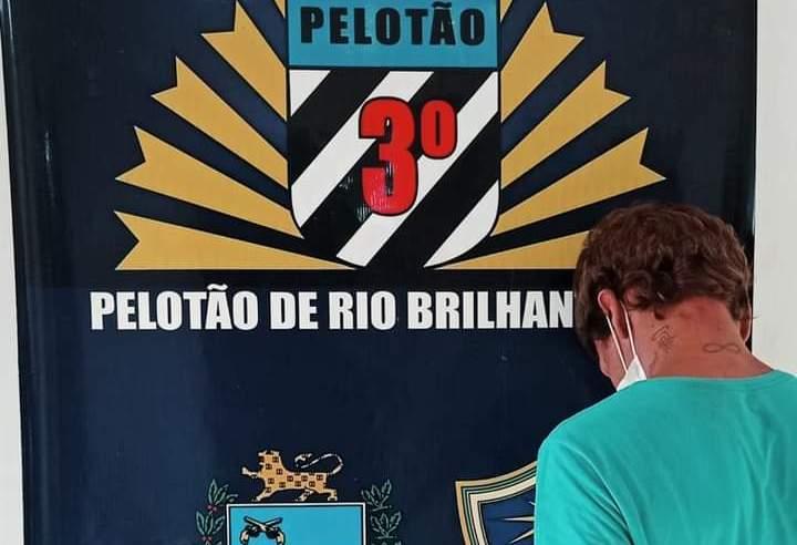 Foragido tenta investir contra PM e leva tiro de borracha em Rio Brilhante