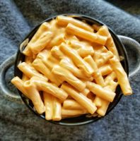 large bowl of smoky vegan mac and cheese with thick macaroni noodles