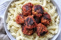 Stovetop tofu meatballs with pasta