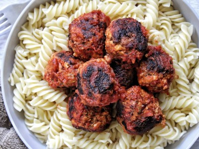 Stovetop tofu meatballs with pasta