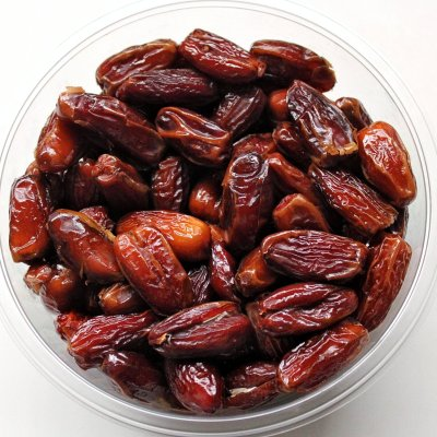 Noor dates in a bowl