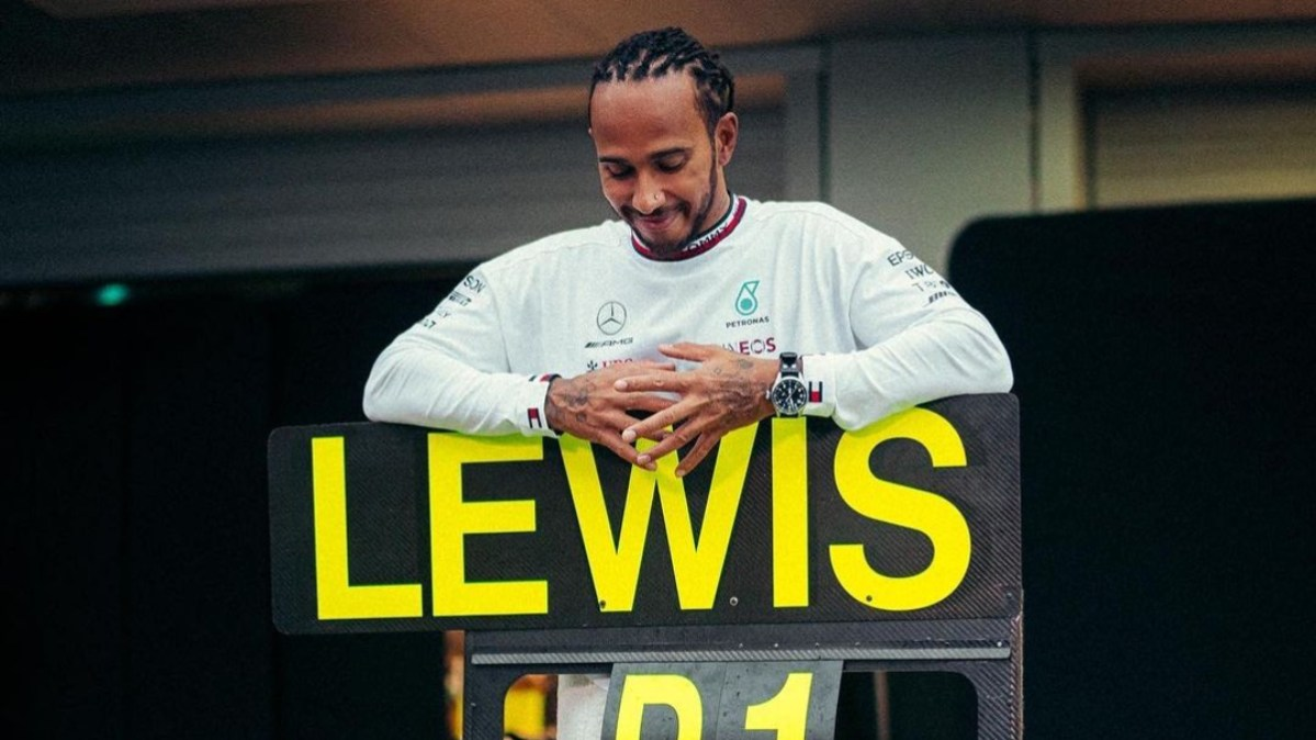Lewis Hamilton becomes first formula 1 driver to secure 100 wins