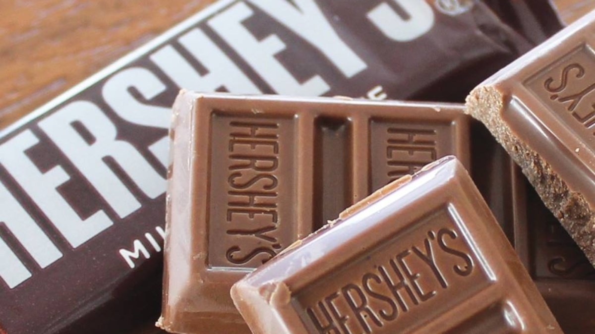 Hershey's Debuts First-Ever Vegan Chocolate Bar, And 4 Other Plant-Based Food Launches