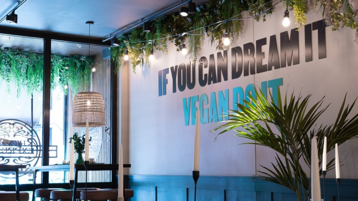 World's First All-Vegan Pizza Express Restaurant Opens In London