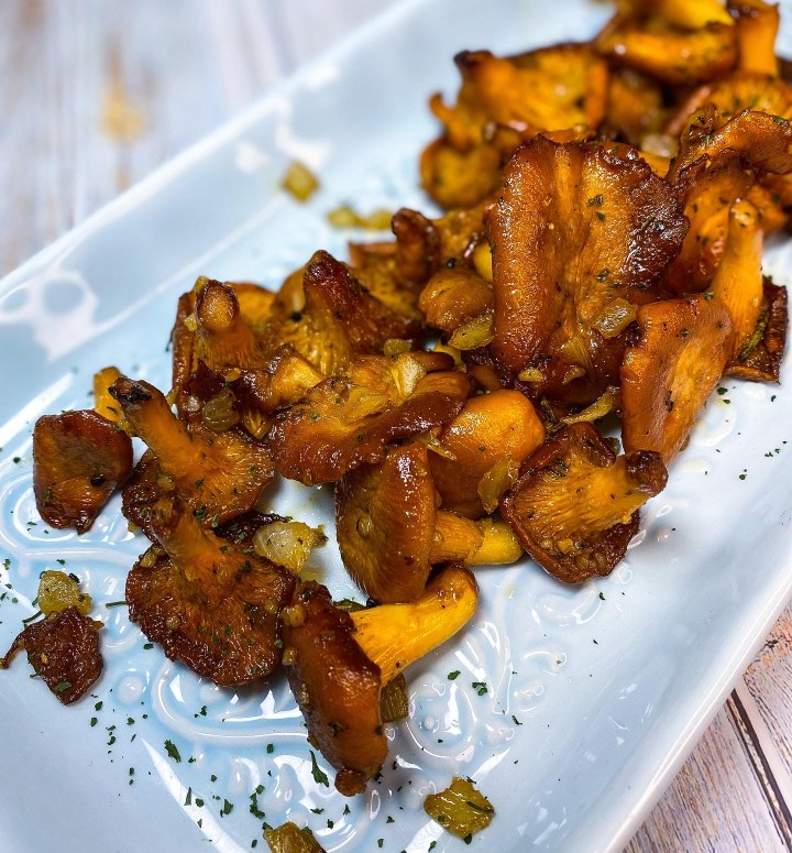 SIMPLE AND HEALTHY CANDIED MAPLE CHANTERELLES