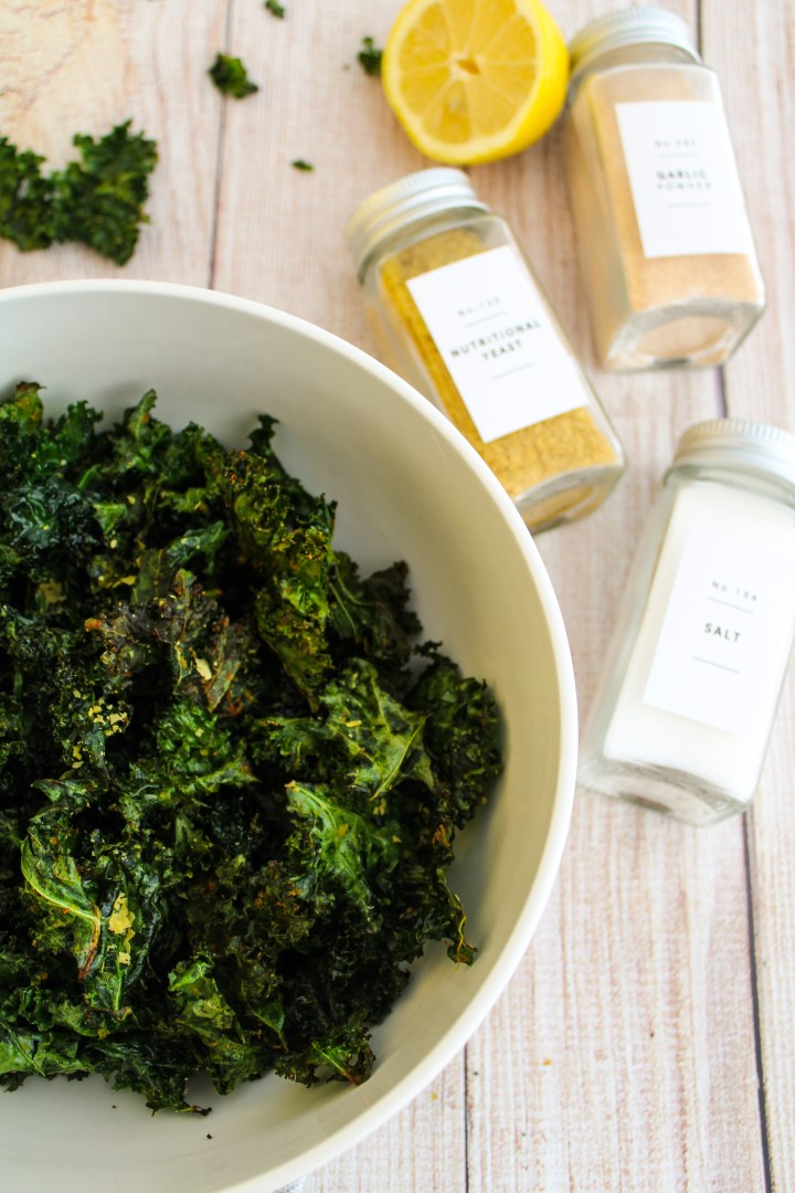 CHEESY AIR FRIED KALE CHIPS