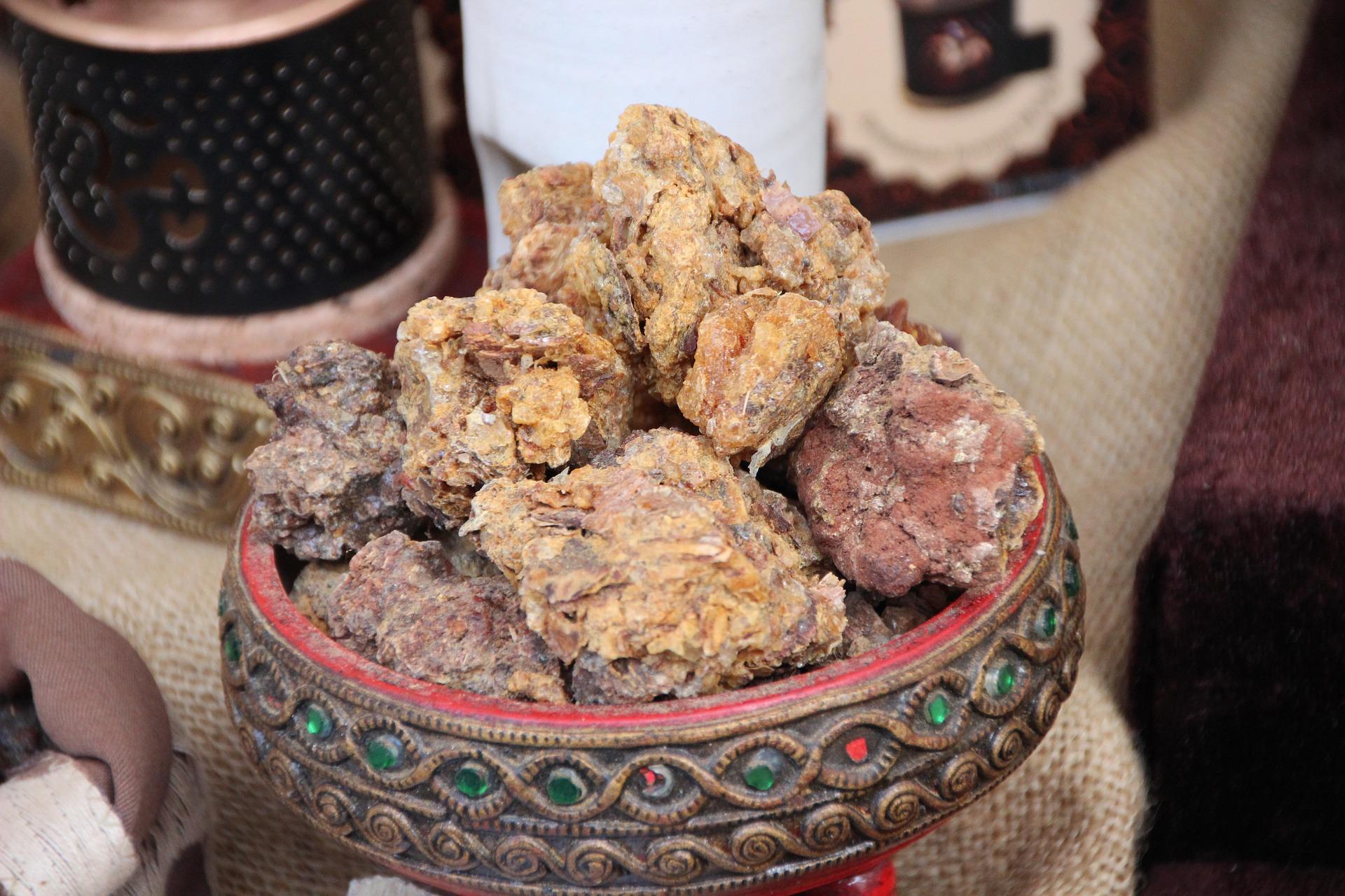 Huile essentielle de Myrrhe amère, cadeau empoisonné des mages?