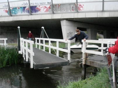 Joining up the cycle path over a river
