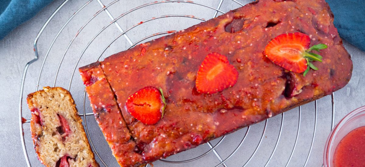 Strawberry Banana Bread with glaze (Vegan)