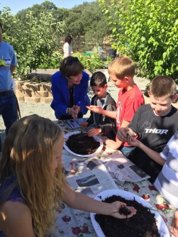 Secretary Ross discusses the importance of healthy soil with students in Calaveras County