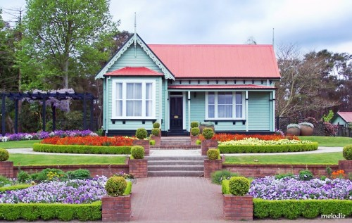 cottage-with-planned-garden-1224357