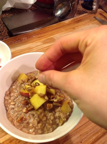 Chefs Tip for Crunch: A few chopped pecans add nice, crunchy texture to this healthy oatmeal