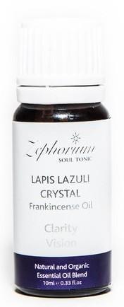 """Ulei Esential Organic Lapis Lazuli Crystal cu Ulei de Tamaie  Uleiuri esential pentru aromaterapie special realizata din ingrediente 100% naturale.Uleiurile naturalepentru aromaterapie , cu diverse arome divine, creeaza o atmosfera speciala atat acasa cat si la birou. Uleiuri cu cristale de lapis lazuli si cu ulei de tamaie continecristale de Lapis Lazuli, ulei de tamaie, parafina si soia. Uleiul de tamaie ofera o contemplare placuta, profunda si linistita si totodata permite mintii sa elibereze stresul. Pe masura ce inchideti ochii si lasati aromele imbietoare sa va patrunda simturile, veti obtine o liniste profunda. Chakra Brow esteChakra celui de-al 3-lea ochi se afla in centrul fruntii si este corespondenta glandei pineale. Controleaza simtul vizual, nasul, urechile, sinusurile. Guverneaza gandirea, vederea interioara, viziunile si visele, cunoasterea spirituala. Este considerata centrul fortei psihice. Afirmatiile pozitive de pe fiecare ambalaj, sunt menite sa ajute in schimbarea credintelor adanc inradacinate in constiinta umana din negativ in pozitiv. ( Exemplu: schimbi din """"Nu sunt suficient de bun"""" in """"Sunt propriul meu Creator Puternic"""". Cu putin efort si practica, gandul negativ se poate transforma in gand pozitiv sau intr-o noua credinta pozitiva. Noi consideram ca ceea ce gandim creeaza realitatea si este foarte important sa avem grija sa schimbam gandirea negativa in credinte pozitiva."""